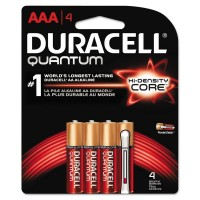 Duracell Quantum Alkaline Batteries with Duralock Power Preserve Technology 4 ea [041333662497]