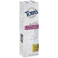 Tom's of Maine Natural Fluoride-Free Antiplaque & Whitening Toothpaste, Fennel 5.50 oz [077326830758]