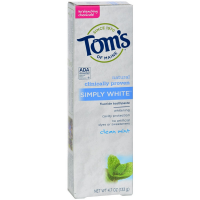 Tom's of Maine Natural Simply White Fluoride Toothpaste, Clean Mint 4.70 oz [077326148068]