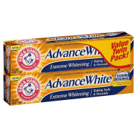 ARM & HAMMER Advance White Extreme Whitening Baking Soda and Peroxide Toothpaste, Fresh Mint, Twin Pack 6 oz [033200180135]